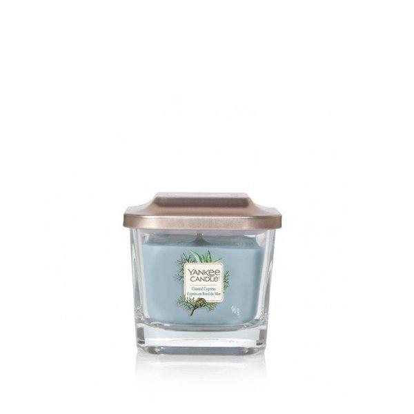 ароматна свещ малък буркан Yankee Candle Elevation Coastal Cypress