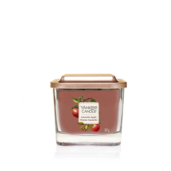 ароматна свещ среден буркан Yankee Candle Amareto Apple
