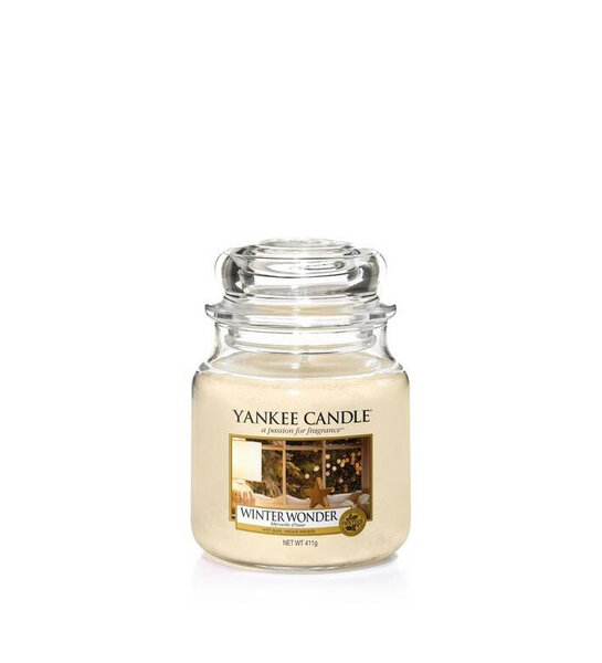 Свещ среден буркан Yankee Candle Winter Wonder