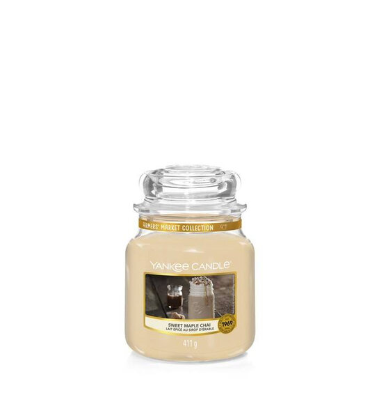 Свещ среден буркан Yankee Candle Sweet Maple Chai
