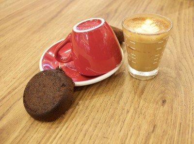 Утайката от кафе може да филтрира тежките метали във водата